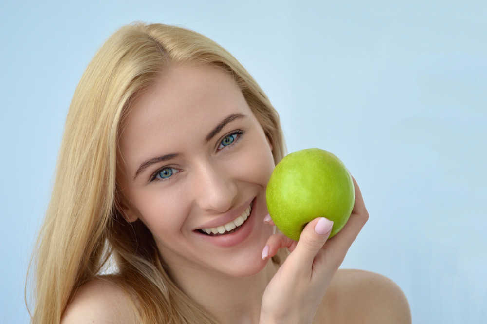 Alimentos que nos ayudan a cuidar de nuestra boca