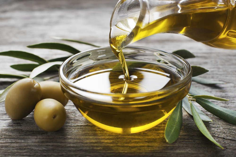 El aceite de oliva, una referencia para mantener la salud en nuestra dieta